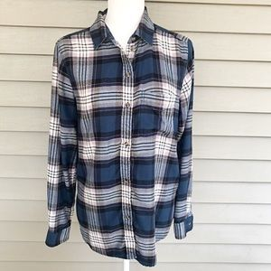 American Eagle Outfitters Tops - American Eagle Plaid Flannel Shirt